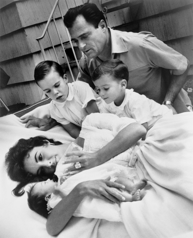 Liz_Taylor,_Liza_Todd_and_family_by_Toni_Frissell,_1957