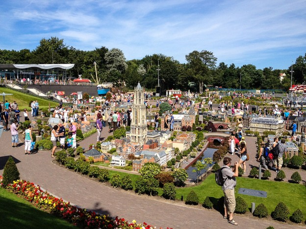 By Michal Osmenda from Brussels, Belgium (Madurodam, The Netherlands) [CC BY 2.0 (http://creativecommons.org/licenses/by/2.0)], via Wikimedia Commons