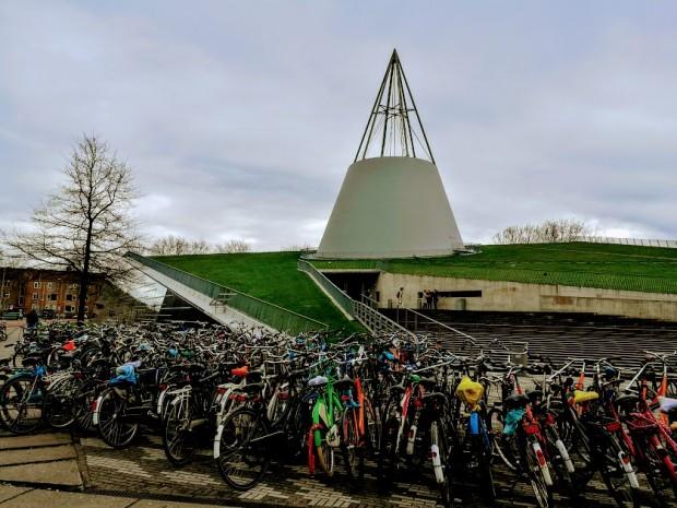 TU Delft 27
