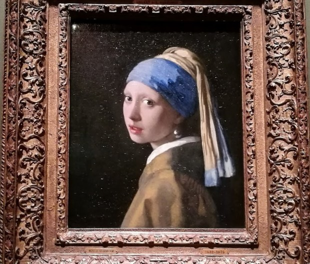 """""""Момичето с перлената обица""""  художник: Вермеер"""