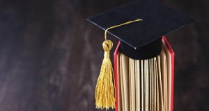 graduation-1969236_640