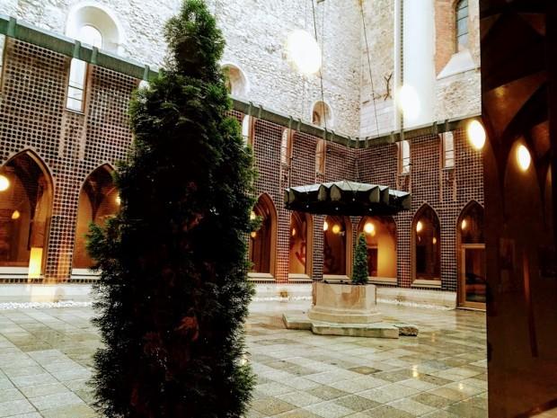 hilton budapest dominikanska curkva