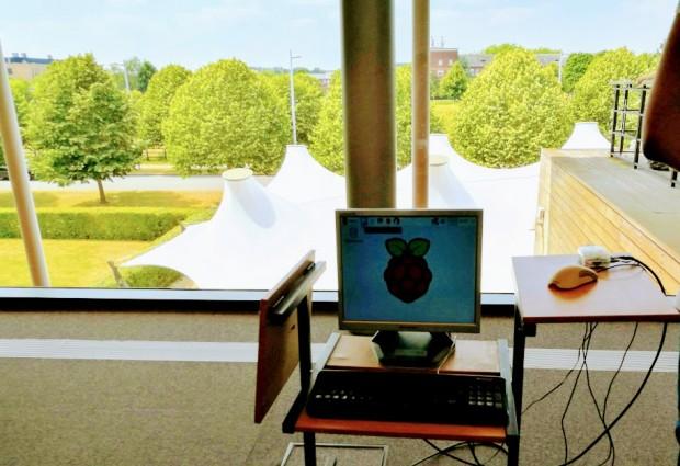 В Kомпютърната лаборатория на Кеймбридж  снимка: Данибон