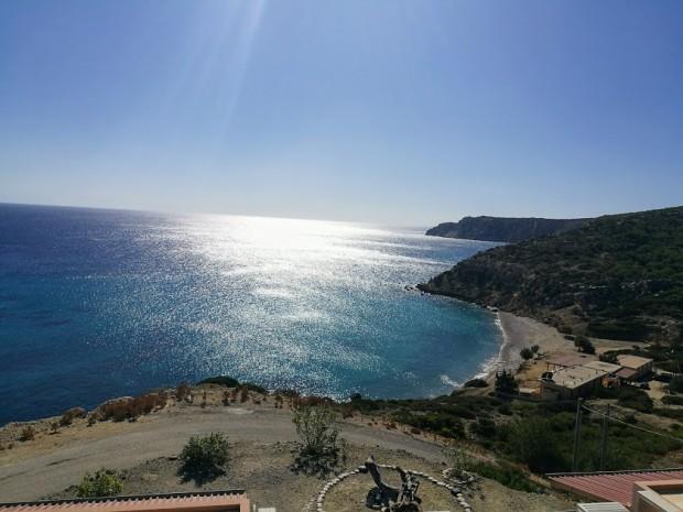 """Плажът Корфос, видян от таверна """"Панорама"""""""
