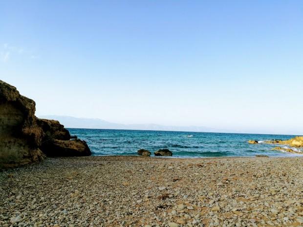 Малкото плажче Фетуфе до Агиянис