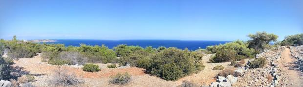Панорама с гледка към морето и пътеката към Трипити - най-южната точка на Европа