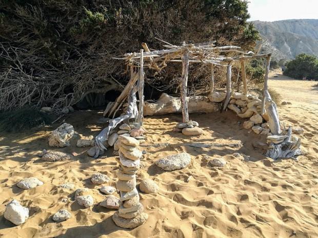 """""""Къщурката"""" на плажа Потамос, в която плажувахме"""