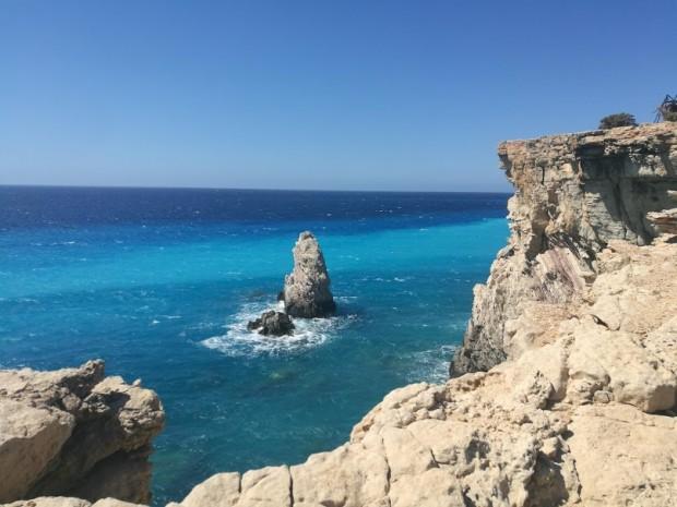 Красивата морска гледка от нос Трипити на остров Гавдос