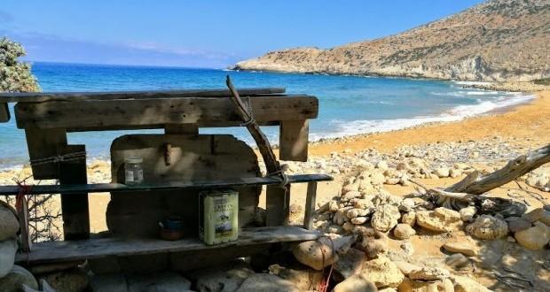 Кухненският плот в къщурка на плажа Потамос
