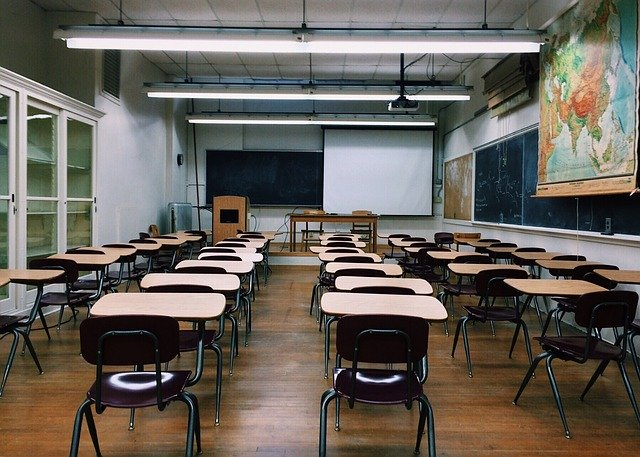 classroom-2093743_640