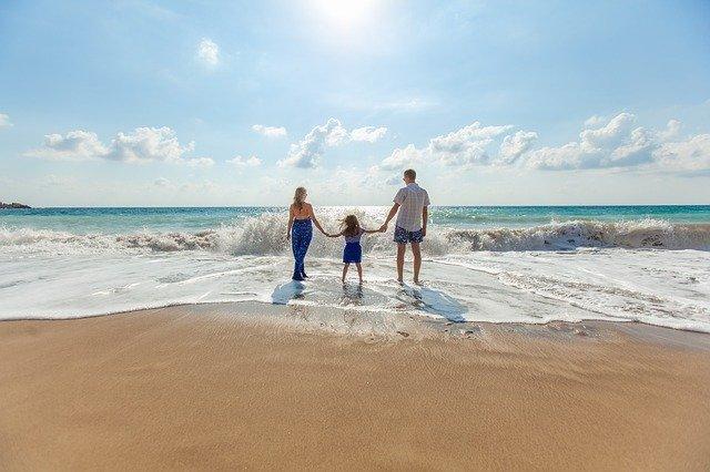 beach-1867271_640