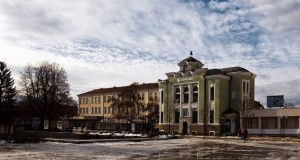 http://targovishte.tv/targovishte/obshtestvo-targovishte/item/2005-zatvaryat-uchilishta-v-targovishte-zaradi-covid-19