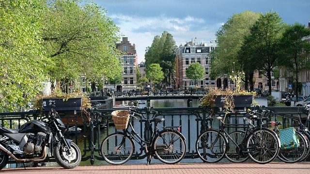 amsterdam-2799491_640