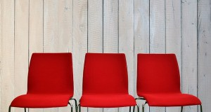 chairs-2169583_640