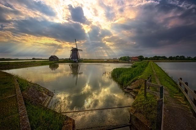 windmill-2184353_640