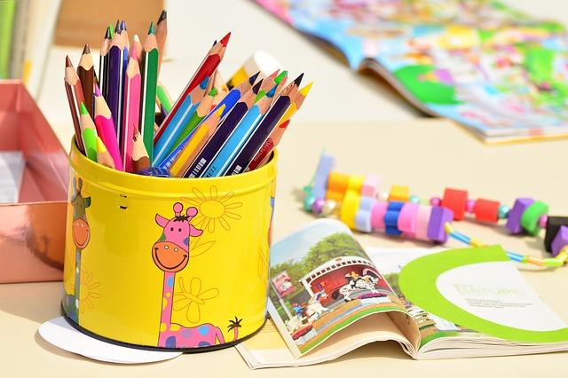 colored-pencils-1506589_640 (1)