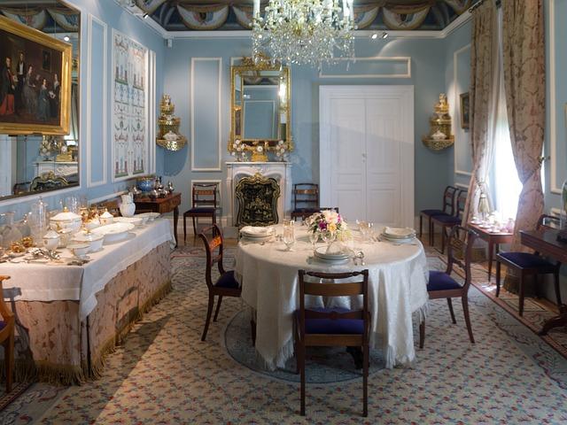 dining-room-352943_640