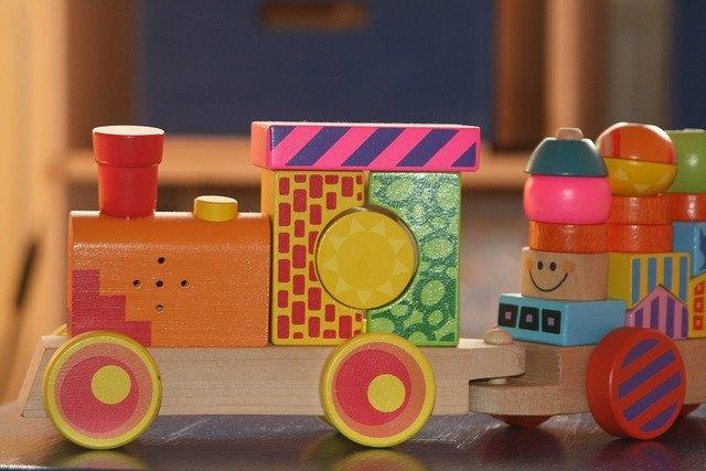 train-189828_640