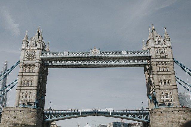 bridge-4751769_640