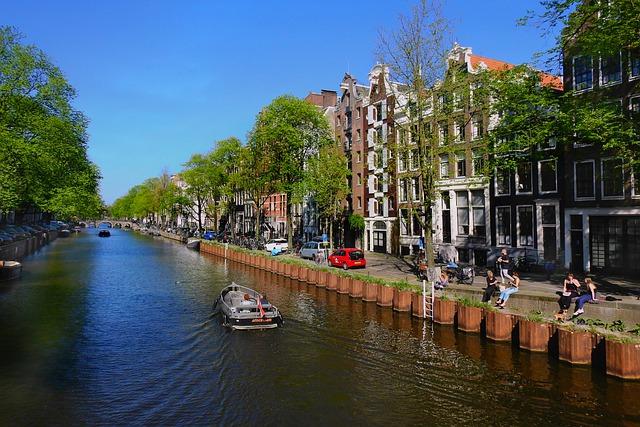 amsterdam-5102180_640