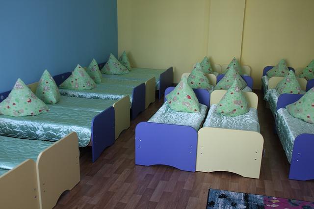 kindergarten-2353105_640