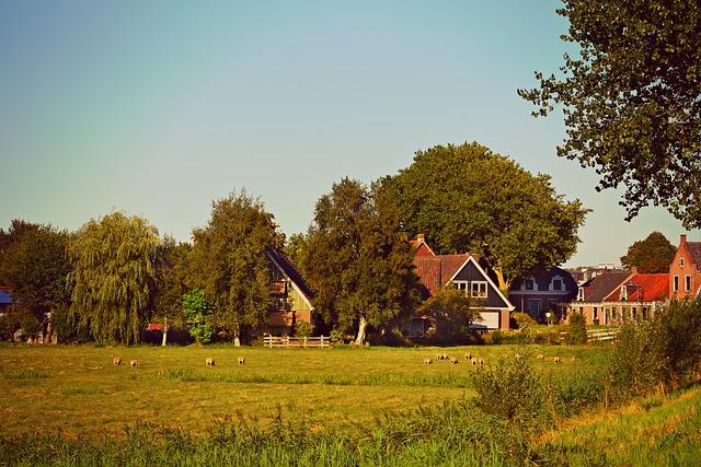 village-3609714_640