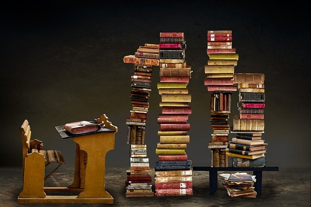books-3322275_640