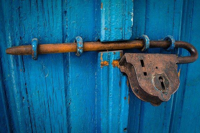 door-1587863_640