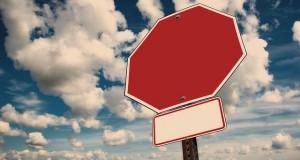 stop-2985522_640
