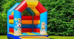 bouncy-castle-3466291_640