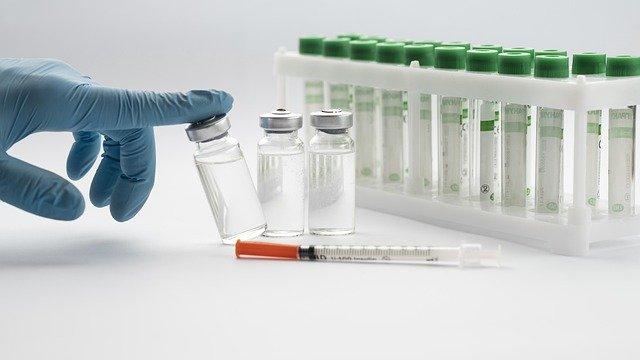vaccine-6158191_640