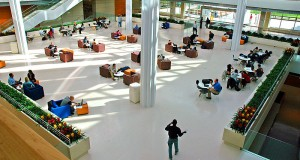 800px-uchicago_graduate_school_of_business_interior
